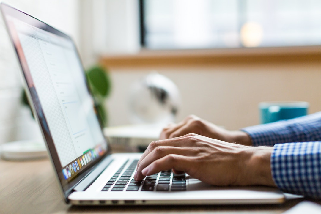 Knowing When to Buy a New Laptop to Get the Best Price